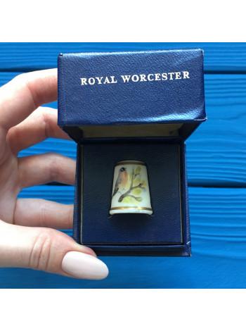 Наперсток Royal Worcester с автографом художника