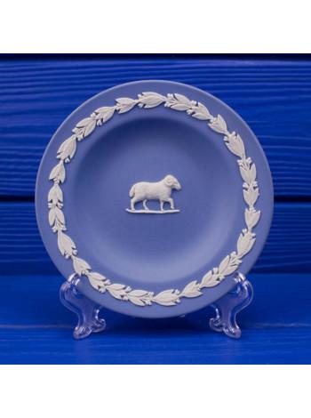 Тарелка Wedgwood Овен серии Знаки Зодиака в оригинальной коробочке