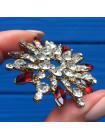 Брошь, усыпанная кристаллами