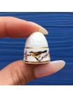 Очаровательный коллекционный наперсток с птичкой от Bow Porcelain в оригинальной коробочке