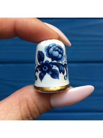 Синие розы из костяного фарфора