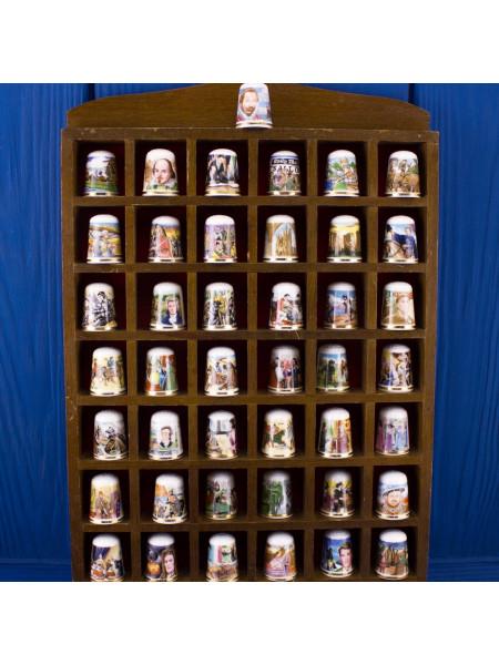 Коллекция из 43-х наперстков с историей Англии