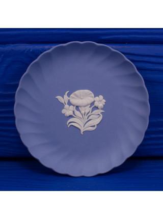 Блюдце Wedgwood круглое с волнистыми краями ll