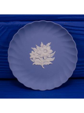 Блюдце винтажное Wedgwood круглое с волнистыми краями lll