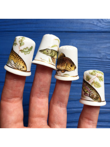 Комплект напёрстков с изображением рыб