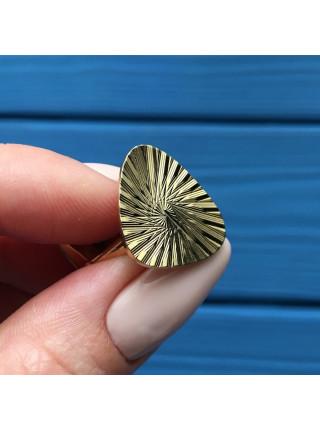 Запонки, выполненные из металла золотого оттенка
