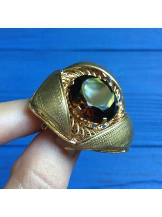 Брошь на кружевной основе с крупным кристаллом оттенка коньячного бриллианта