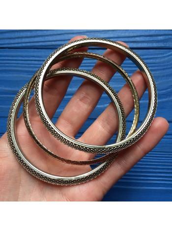 Комплект из трех браслетов
