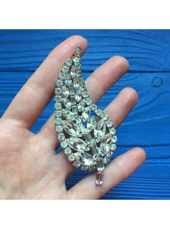 Брошь с кристаллами разной формы