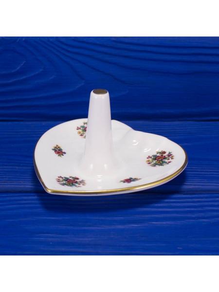 Фарфоровое блюдце со стержнем для колец с нарядным рисунком дизайна Ming Rose от Coalport