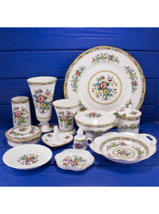 Фарфоровое блюдце для украшений и мелочей с нарядным рисунком дизайна Ming Rose от Coalport