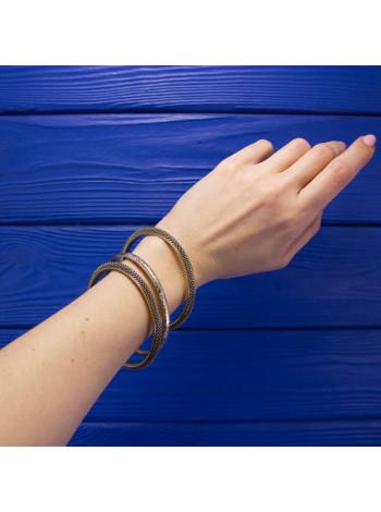 Комплект из трех элегантных браслетов