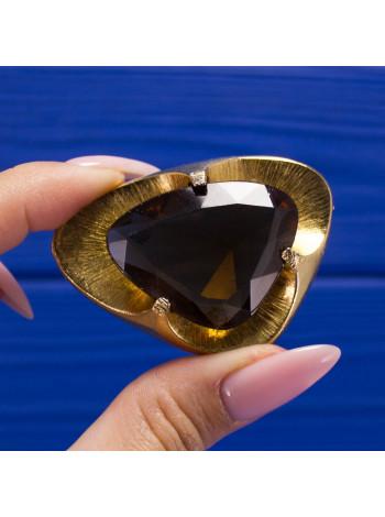 Эффектная брошь с крупным кристаллом цвета коньячного бриллианта