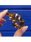 Интересная винтажная брошь с кристаллами цвета коньячного бриллианта