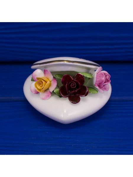 Шкатулка Old Country Roses от Royal Albert с фарфоровыми цветами