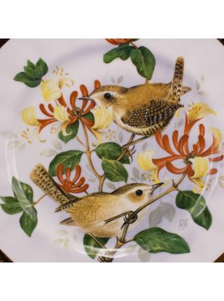 """Роскошная большая тарелка """"Крапивник и жимолость"""" серии Birds of the Hedgerow"""