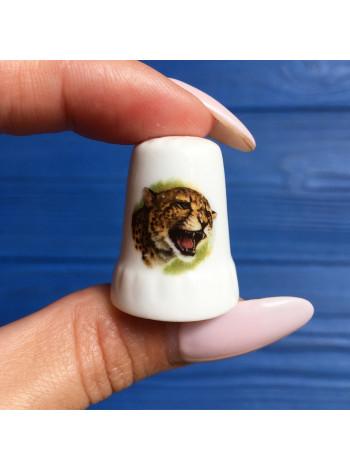 Коллекционный фарфоровый наперсток с изображением гепарда