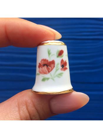 Коллекционный фарфоровый наперсток с цветами