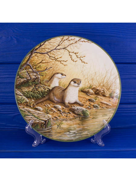 Тарелка Royal Doulton 4311A Otter Pair on a River Bank