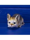 Фигурка очаровательного котенка