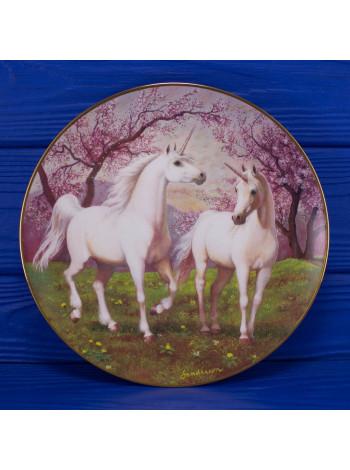 "Тарелка № H0355 ""The Springtime Pasture of the Unicorn"" от PRINCETON GALLERY"
