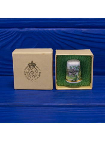 Наперсток с изображением очаровательного коттеджа в цветочном саду от Royal Worcester в оригинальной коробочке