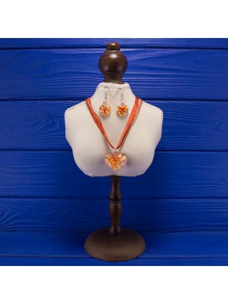 Нежный комплект из стекла: кулон на лентах и серьги
