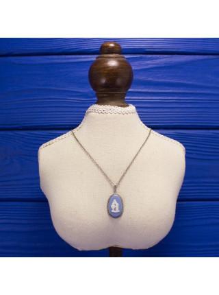 Роскошная винтажная подвеска от WedgwoodРоскошная винтажная подвеска от Wedgwood - голубой джаспер в серебре! Англия, 1976 год.