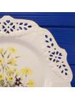 """Роскошная большая винтажная тарелка Royal Creamware """"Primroses"""" с кружевным ободком из коллекционной серии The Floral Gift"""
