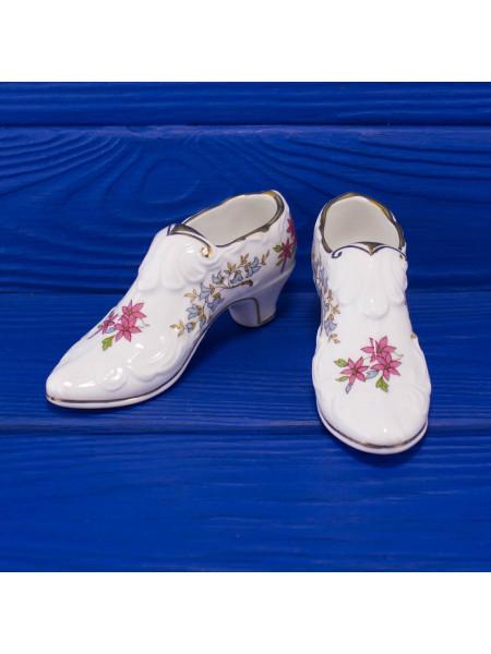 Пара туфелек из английского костяного фарфора от Paragon