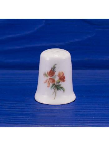 Коллекционный наперсток из английского костяного фарфора с нежными цветочками