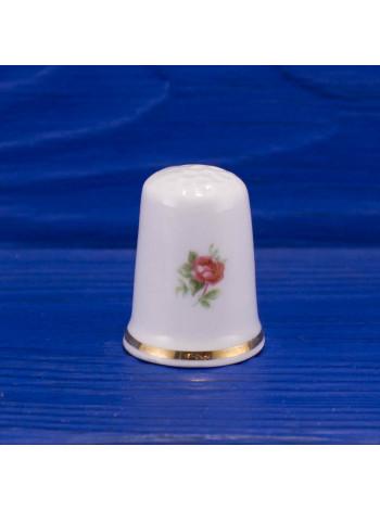 Фарфоровый коллекционный наперсток с нежными цветами