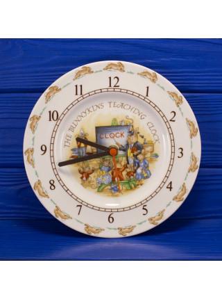 Винтажные настенные часы Royal Doulton семейство Bunnykins