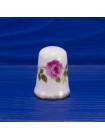 Коллекционный наперсток из английского костяного фарфора с розами и золотым ободком от Newhall