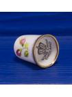 Коллекционный наперсток из английского костяного фарфора с цветами и золотым ободком