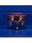Шкатулка Limoges на ножках с любовным сюжетом на крышке в обрамлении золотого орнамента
