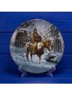 Тарелка Hamilton Collection №0781A Man Who Walks Alone серии Mystic Warriors