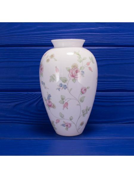 Ваза для цветов с нежным дизайном Rosehip от Wedgwood