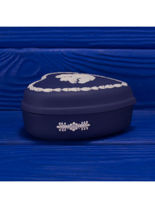"""Шкатулка Wedgwood """"Червы"""" редкого темно-синего цвета из коллекционной серии Карточные Масти"""