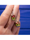 Необычные легкие серьги с засушенными цветами внутри