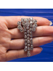 Стильная винтажная брошь с тремя подвижными подвесками, украшенная искристыми кристаллами