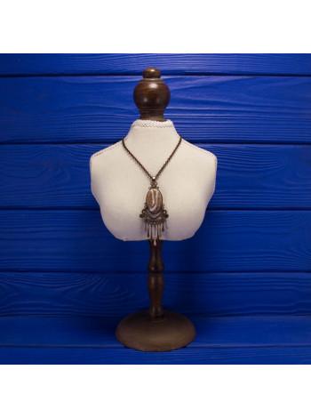 Эффектное украшение на шею с подвижными элементами