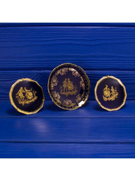Роскошные тарелочки Limoges с любовным сюжетом в обрамлении золотого орнамента