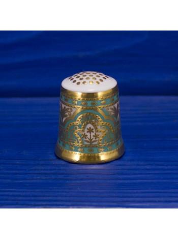 Коллекционный напёрсток Royal Crown Derby, характеризующий определенный период многолетней деятельности компании