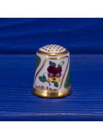 Коллекционный напёрсток Royal Crown Derby, характеризующий определенный период многолетней деятельности компании 5