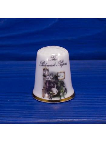 Коллекционный наперсток из костяного фарфора от Kaykraft с иллюстрацией к роману Чарльза Диккенса Записки Пиквикского клуба