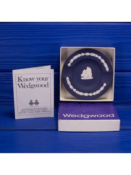 Коллекционная пепельница Wedgwood  из бисквитного фарфора