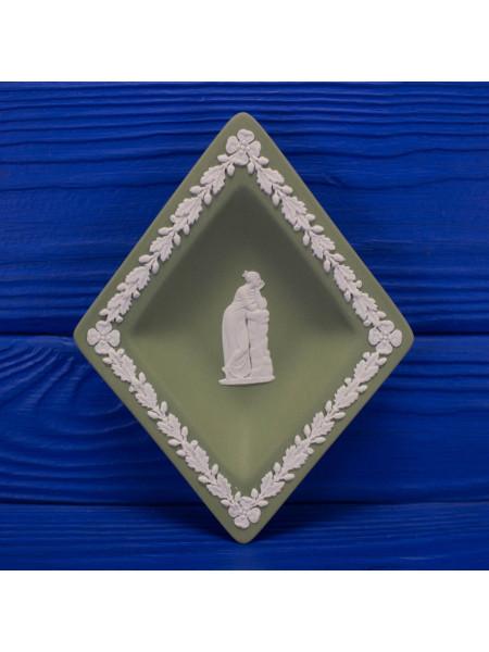 """Коллекционная тарелка от Wedgwood """"Буби""""из серии Карточные масти"""