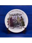 "Тарелка Wedgwood ""Street Seller of Hot Elder Wine"" из коллекционной серии The Street Sellers of London"