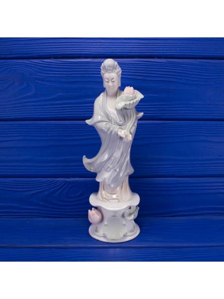 Изящная винтажная статуэтка c изображением Китайской Богини